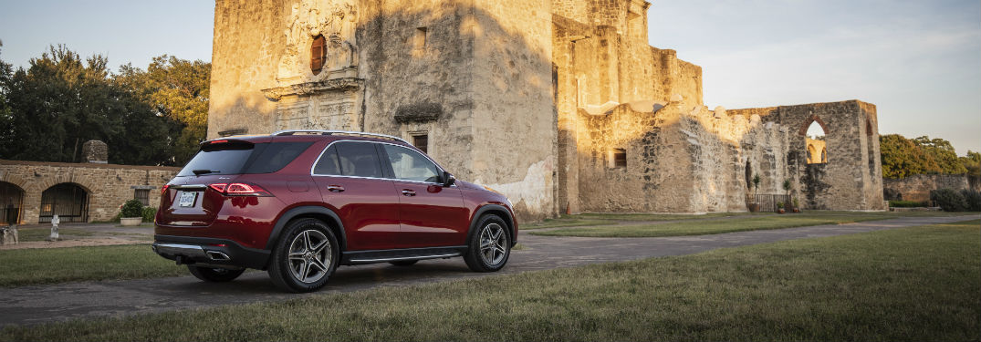2020 MB GLE exterior back fascia and passenger side parked in front of castle