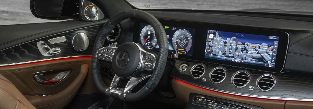 Which Mercedes-Benz vehicles come standard with keyless start?