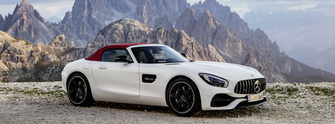 https://blogmedia.dealerfire.com/wp-content/uploads/sites/325/2016/09/White-2018-Mercedes-AMG-GT-Roadster-With-Maroon-Soft-Top_o.jpg