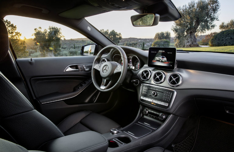 Standard and available 2018 gla suv driver assist systems for Best looking mercedes benz models