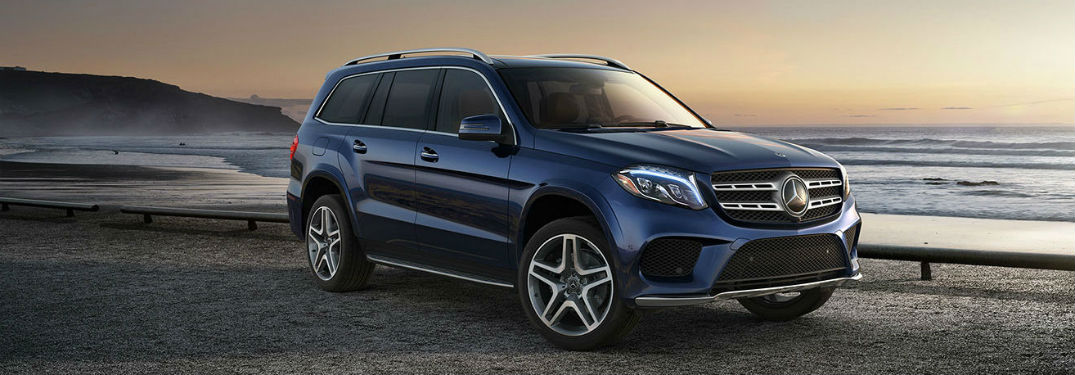 2019 MB GLS exterior front fascia and passenger side at lakeside