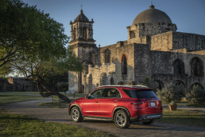 2020 MB GLE exterior back fascia and passenger side in front of small castle