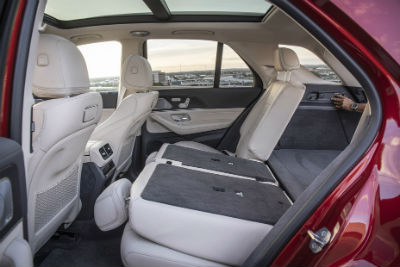 2020 MB GLE interior rear cabin seats folded down