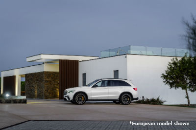 2020 MB GLC exterior driver side parked in front of building
