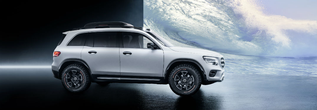 MB GLB Concept exterior passenger side profile with picture of clouds in room