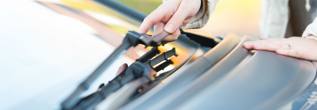 How to change your car's windshield wiper blades