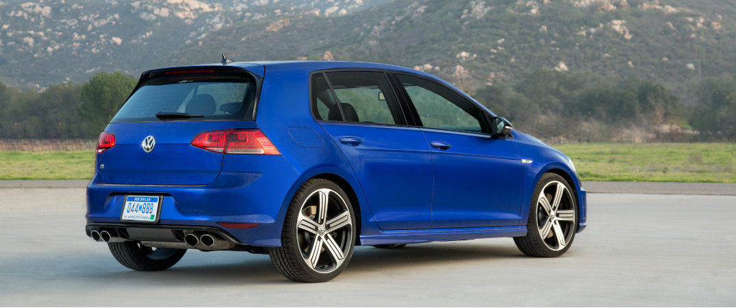 how is the vw golf r in the snow. Black Bedroom Furniture Sets. Home Design Ideas