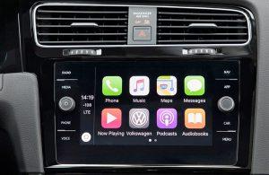 2018 VW Golf infotainment screen