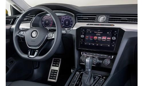 2019-VW-Arteon-Interior-Driver-side-steering-wheel-and-nav-panel