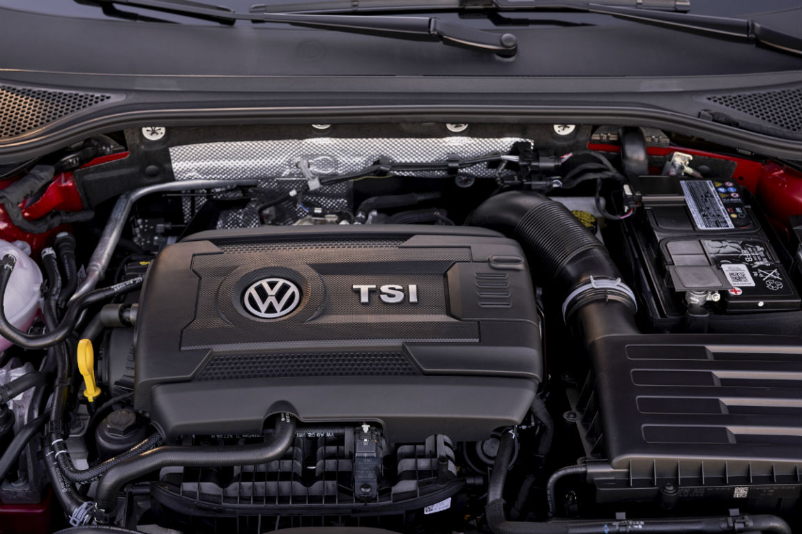 A look under the hood at the turbocharged engine of the 2019 VW Arteon