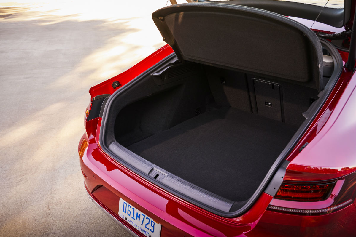 Looking into the empty trunk space of the 2019 VW Arteon