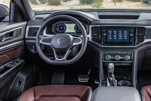 2020 Atlas Cross Sport cockpit showcase