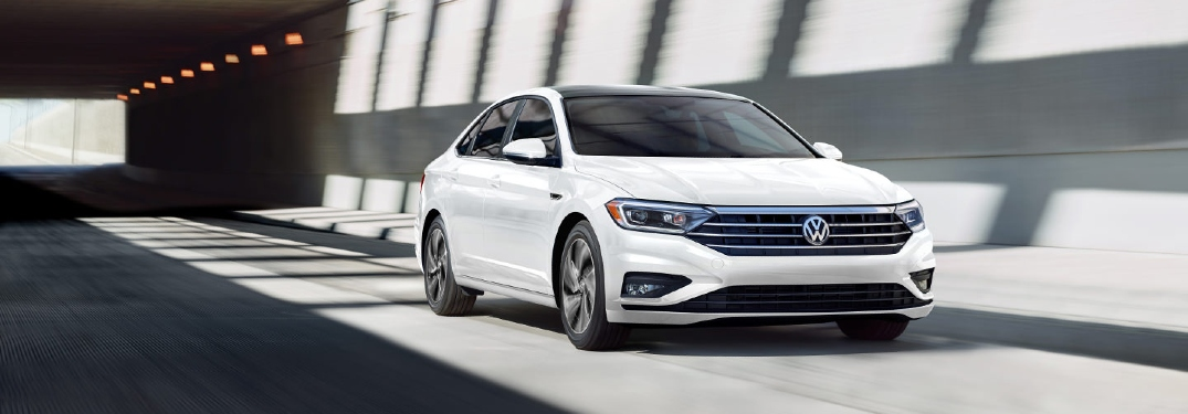 How many mpg does the 2021 VW Jetta get?