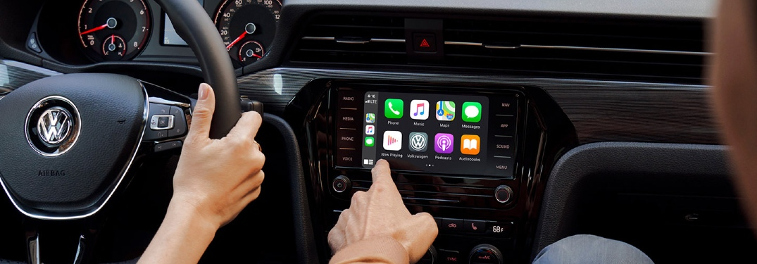 2021 Passat Apple CarPlay showcase