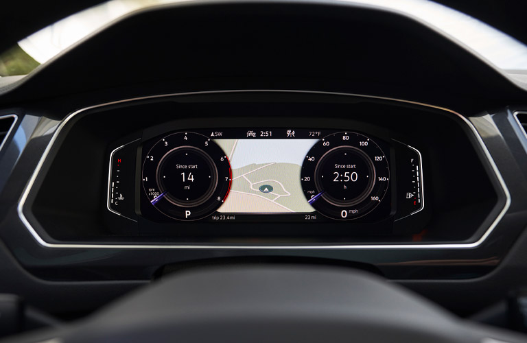 2022 Volkswagen Tiguan steering wheel and screen