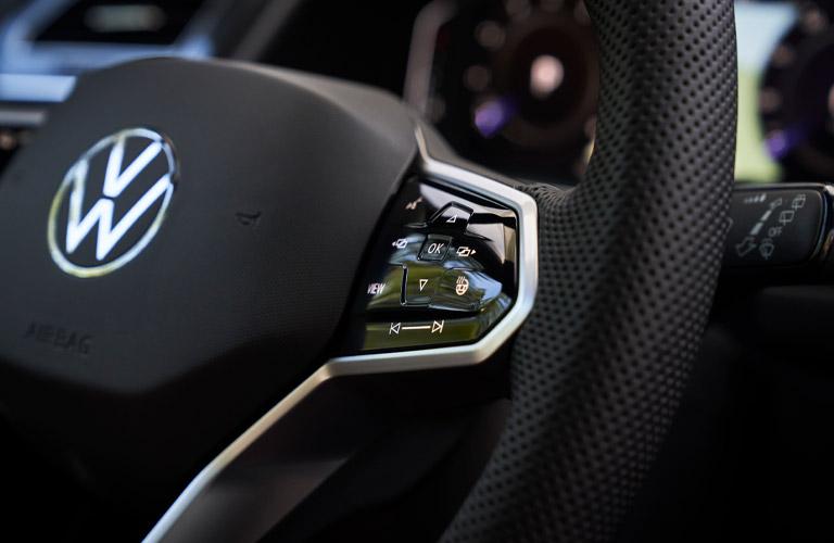 2022 Volkswagen Tiguan steering wheel