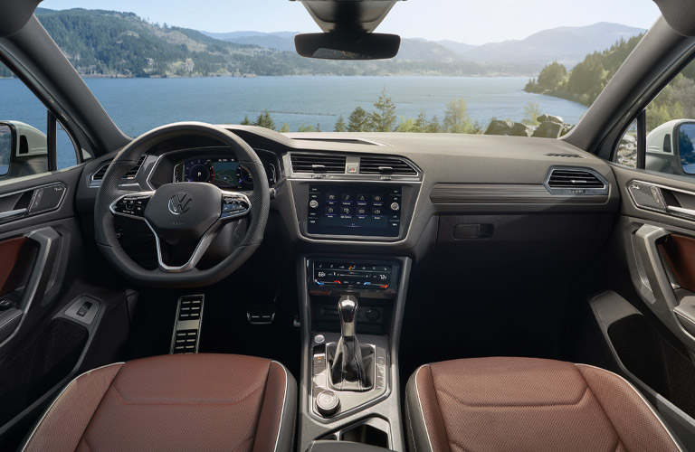 2022 Volkswagen Tiguan dashboard
