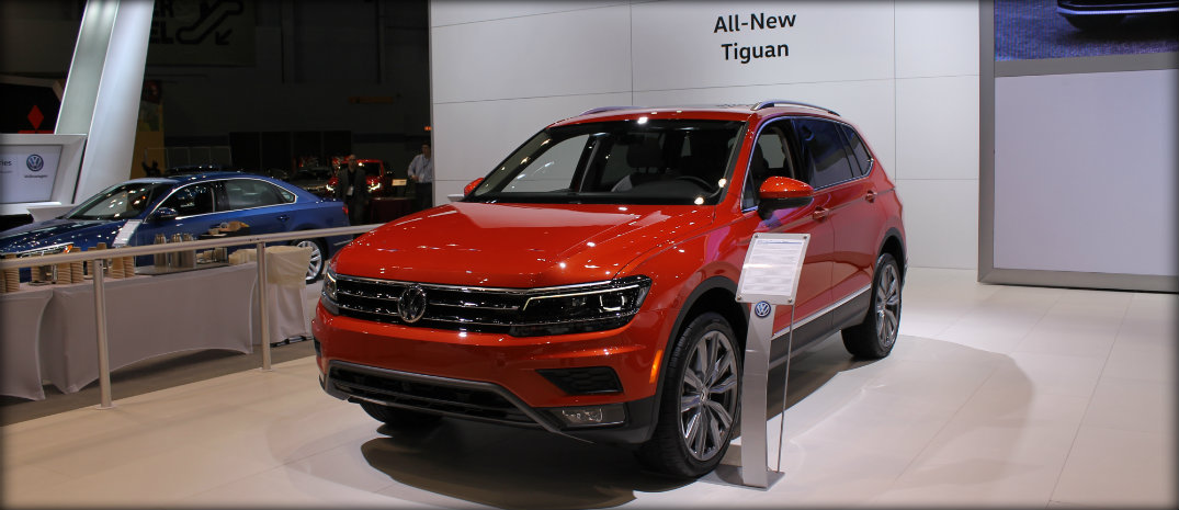2018 long wheelbase tiguan at chicago auto show gallery. Black Bedroom Furniture Sets. Home Design Ideas