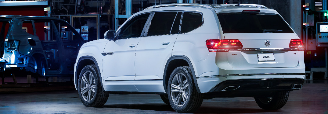 2018 Volkswagen Atlas additionally Volkswagen Will Offer Two Row Version Atlas besides Watch further Home also 2018 Volkswagen Tiguan Interior Wallpapers For Iphone. on 2018 tiguan sel