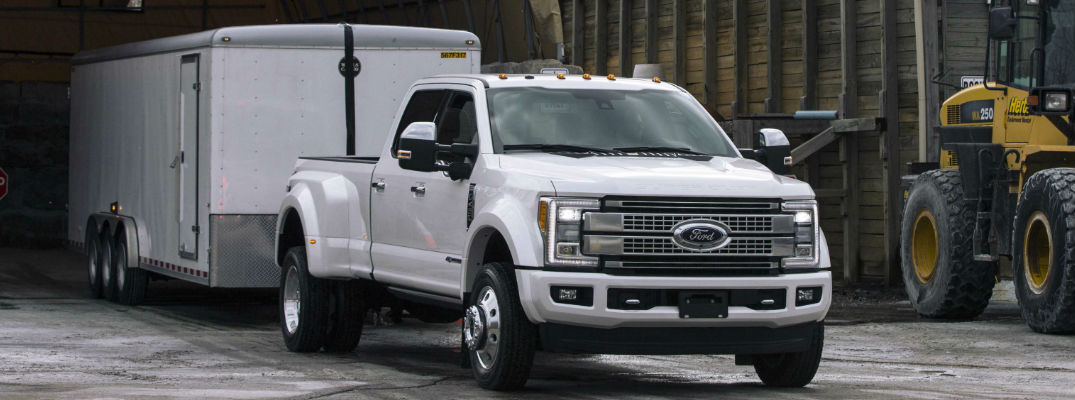 A Ford Super Duty Truck uses the Reverse Trailer Guidance system.