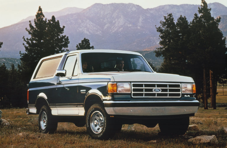 1987-Ford-Bronco-front-mountains_o - Kimber Creek Ford