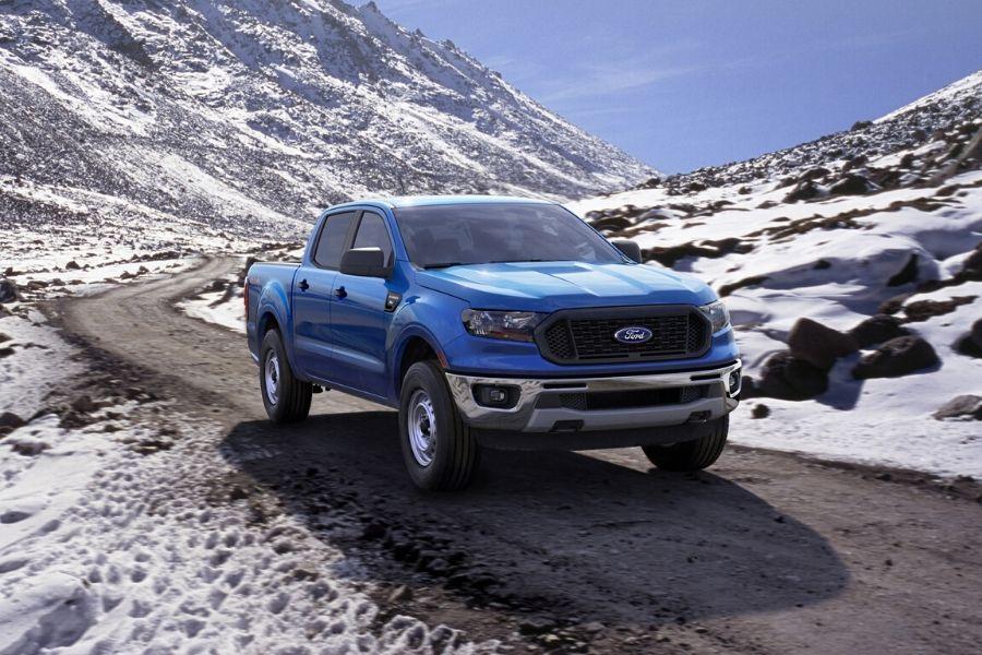 2020 Ford Ranger XL Supercrew near mountains