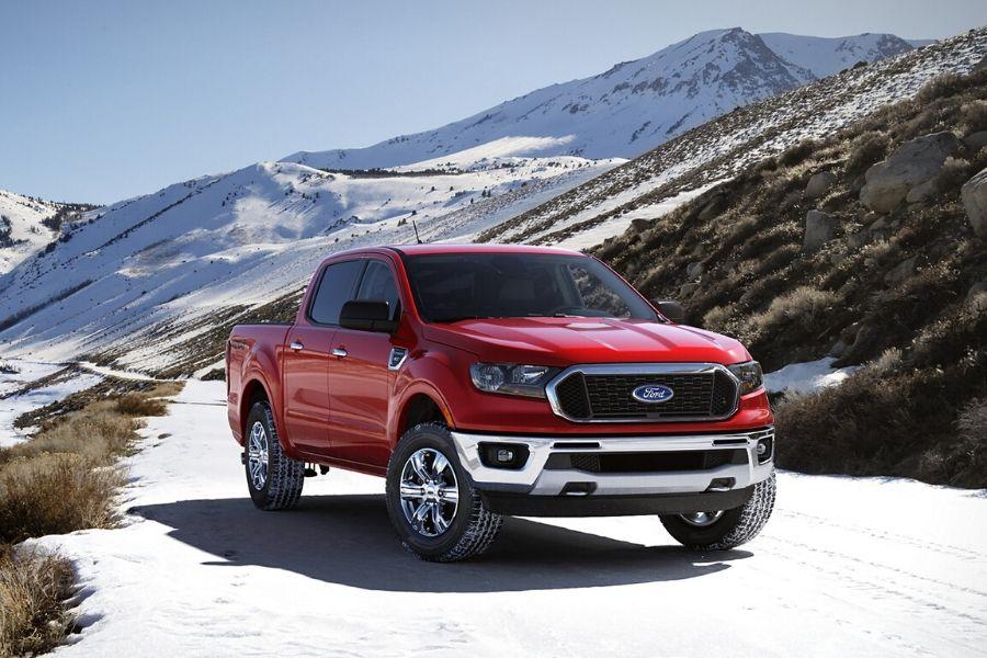 2020 Ford Ranger XLT SuperCrew in snow