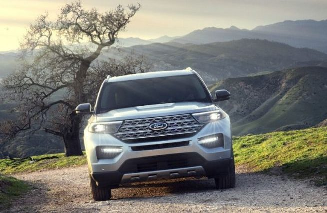 2020 Ford Explorer from front angle with mountains in the background