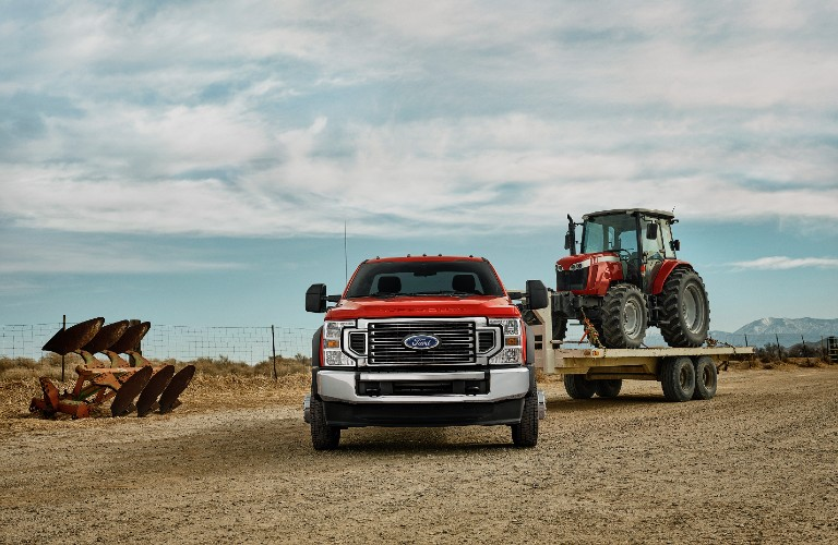 2021 Ford Super Duty towing tractor