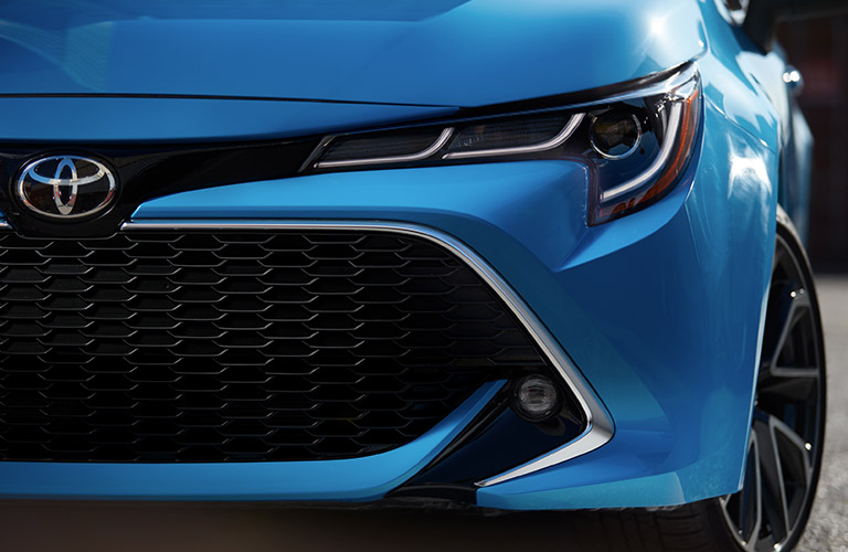 close up of front grille design on 2019 Toyota Corolla Hatchback