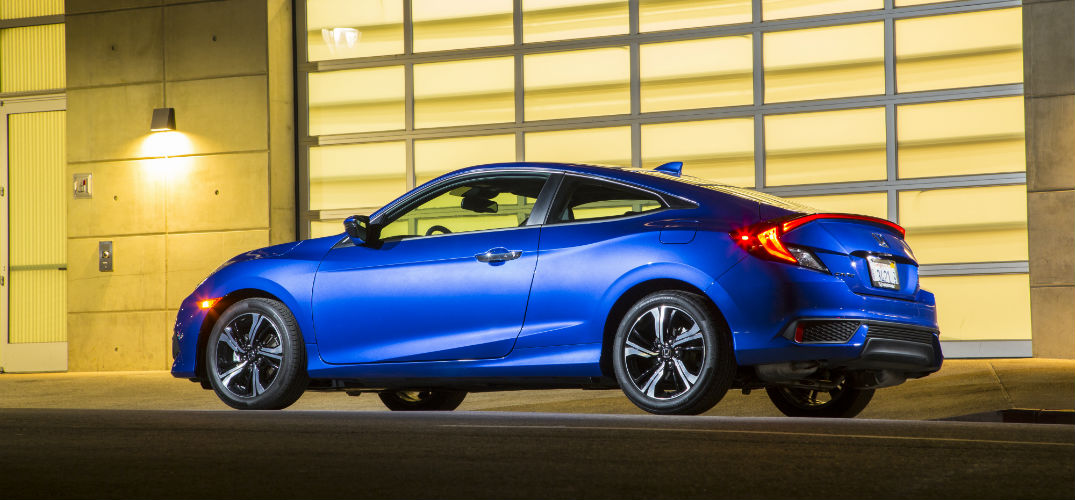 how is the 2016 honda civic coupe different from last year. Black Bedroom Furniture Sets. Home Design Ideas