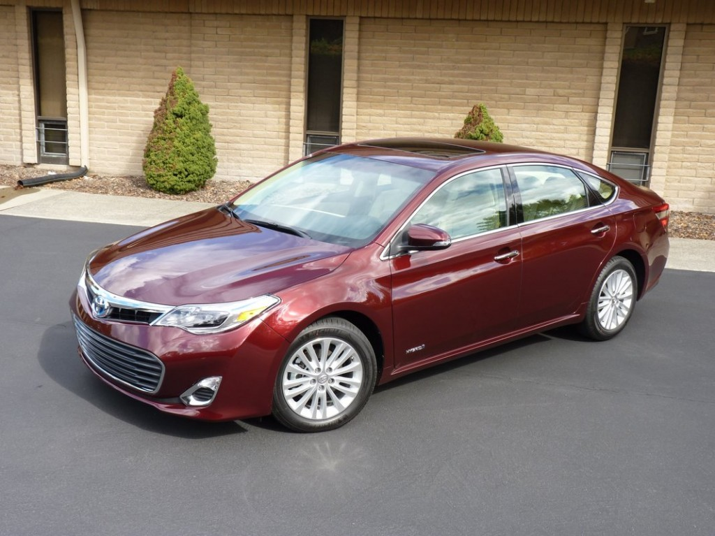 Toyota Camry Mpg >> Performance and luxury meet with the 2014 Toyota Avalon - Allan Nott Auto