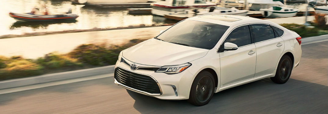 2018 Toyota Avalon driving
