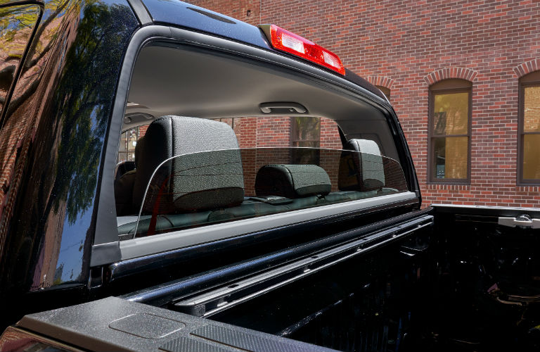 Rear window and bed of the 2019 Toyota Tundra