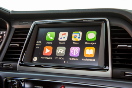 infotainment system of 2019 hyundai sonata with apple carplay