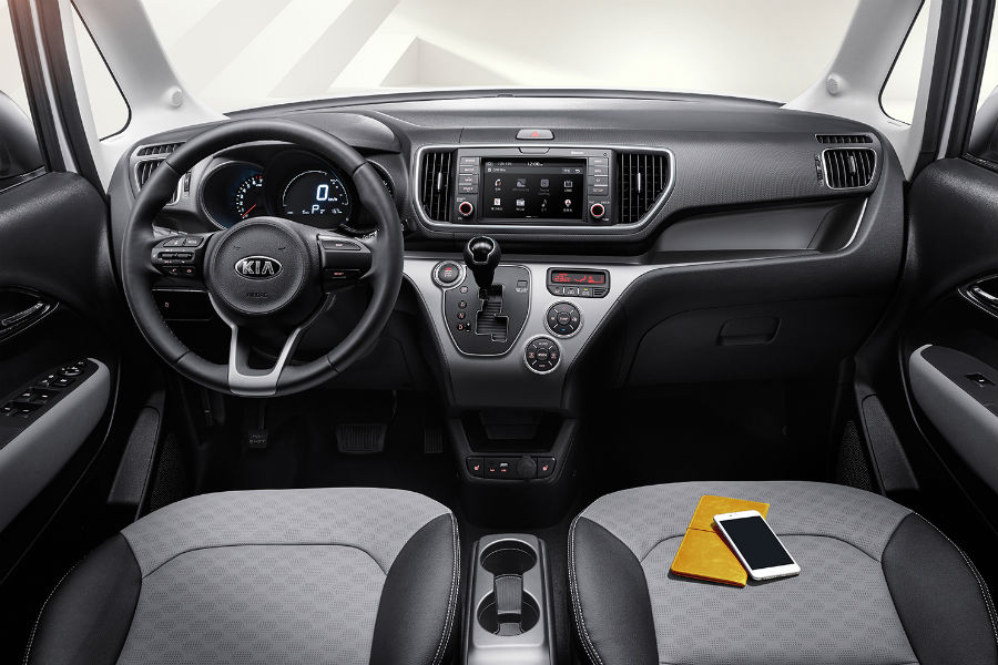 kia ray dashboard and front seat from rear seat