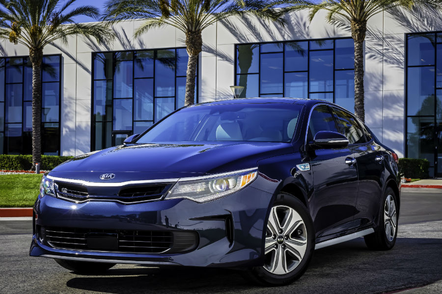 2018 Kia Optima hybrid up close three quarter driver side view