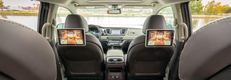 rear seat entertainment system in 2019 kia sedona minivan