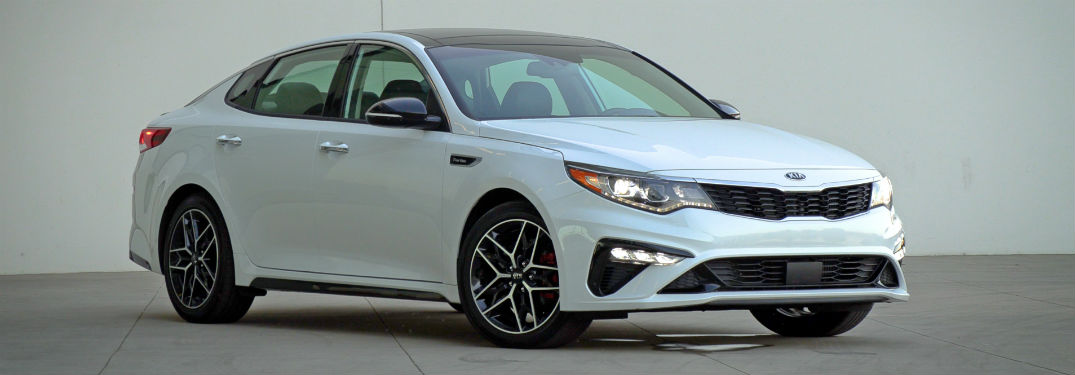 2019 kia optima sx in white