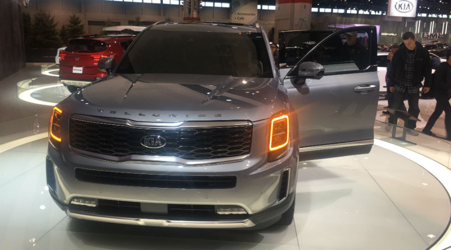 front head on view of 2020 kia telluride at 2019 chicago auto show