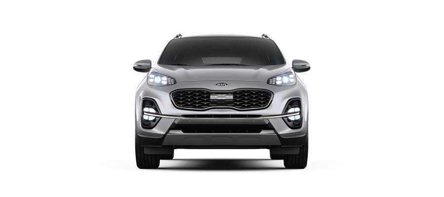 2020 kia sportage on white background in sparkling silver