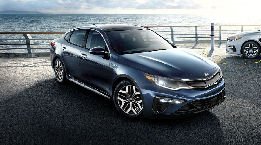 2020 kia optima phev in dark blue