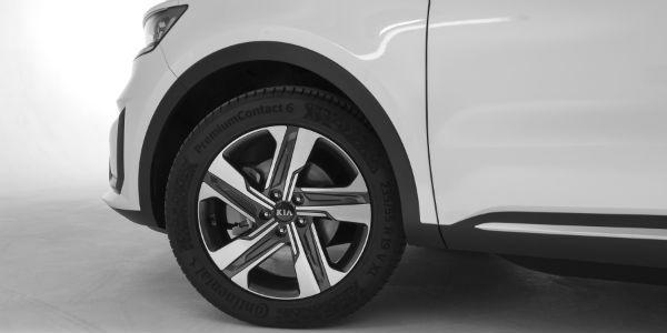 Closeup of wheel on 2021 Kia Sorento