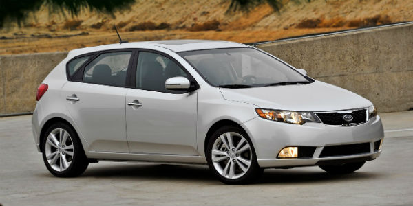 White 2011 Kia Forte 5-door