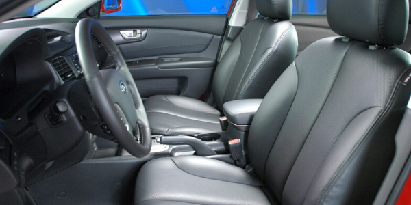 Interior view of 2007 Kia Optima