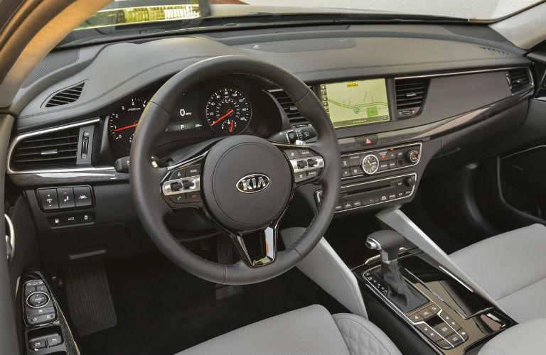 Interior view of 2019 Kia Cadenza