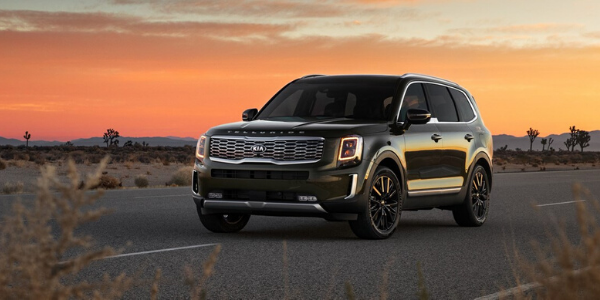 2020 Kia Telluride in front of sunset