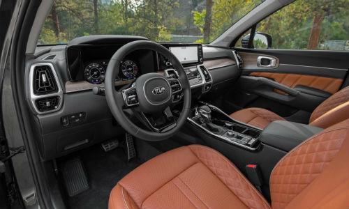 Steering wheel in 2021 Kia Sorento X-Line