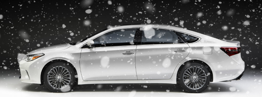 how does the toyota avalon handle in the snow