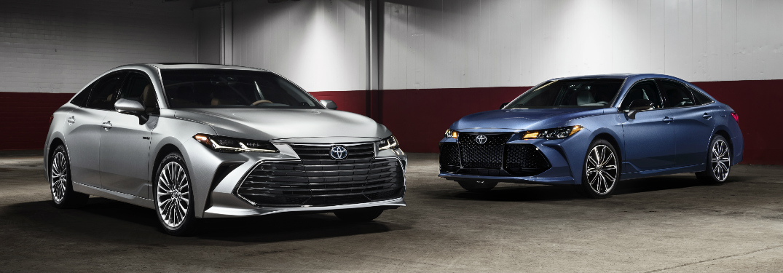 Silver 2019 Toyota Avalon and Blue 2019 Toyota Avalon